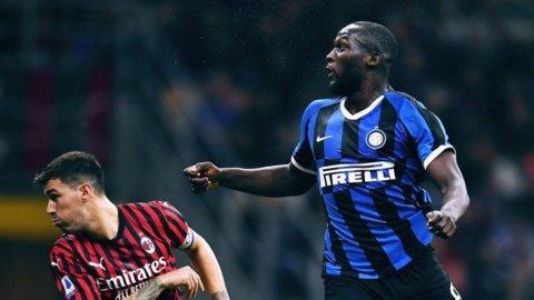 Scudetto, l'Inter tenta la fuga ma il Milan non molla
