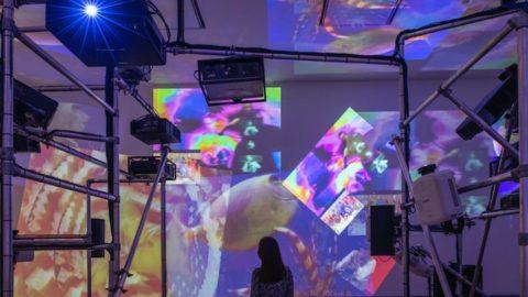 Tate Modern, l'arte di Nam Jung Paik dal Fluxus ai mass media
