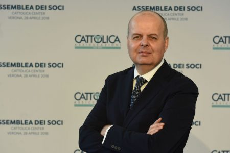 Cattolica, Cariverona scende sotto il 3%: è l'effetto Minali