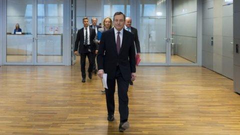 Fiducia a Draghi: i 5 scenari possibili per la maggioranza