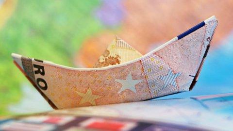 Bce prende tempo, euro corre, Banco Bpm vola