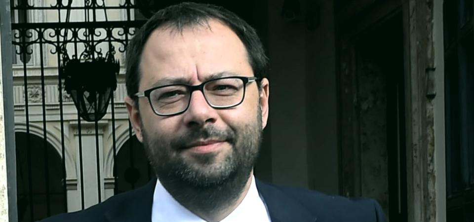 Whirlpool non arretra su Napoli, il Governo reagisce