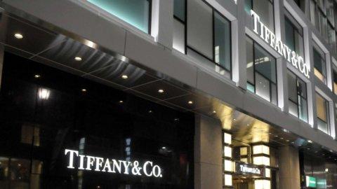 Lusso, Arnault tenta la conquista dei gioielli di Tiffany