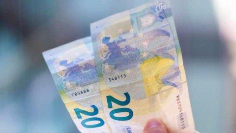 L'euro non si ferma più e il petrolio si avvicina a 50 dollari
