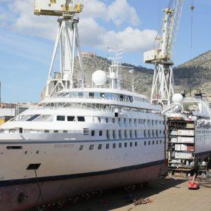 """Fincantieri """"taglia"""" nave da crociera e la allunga di 25 metri"""