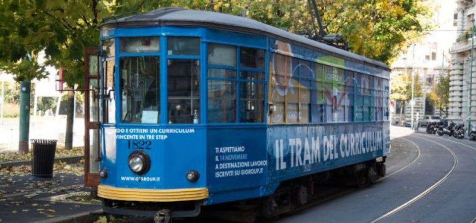 """Lavoro, a Milano arriva il """"tram del curriculum"""""""
