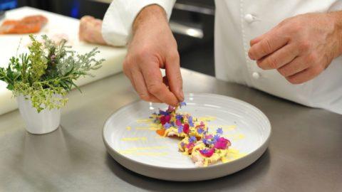 La ricetta di Agostino Buillas: Millefoglie di coniglio e trota salmonata di Morgex