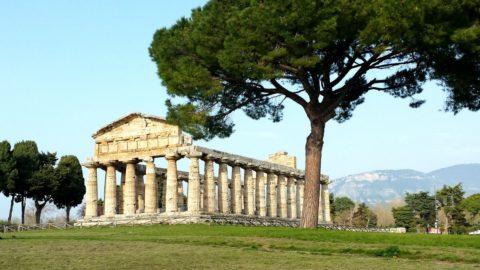 Food e Archeologia: Di Martino sponsor restauri a Paestum