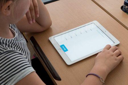 Scuola online: in 700 mila hanno seguito i corsi di Tim