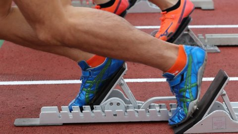 Borsa, Milano corre sola. Sprint di Stm, bene Hera e banche