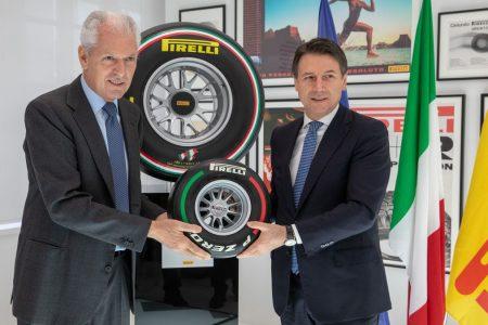 Pirelli, il premier Conte in visita alla società