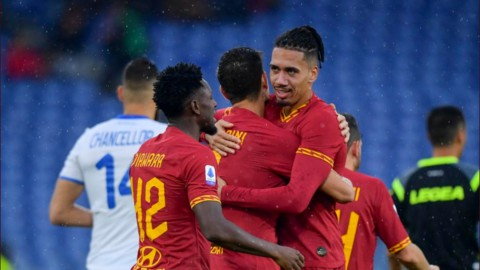 Serie A, Roma e Lazio volano in zona Champions