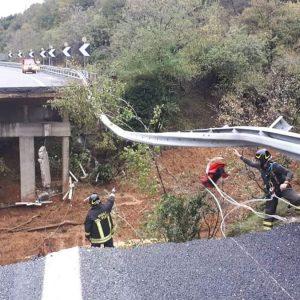 Genova, riapre l'A26. Allerta Po in Lombardia ed Emilia-Romagna