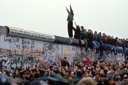ACCADDE OGGI – 30 anni fa cadeva il Muro di Berlino
