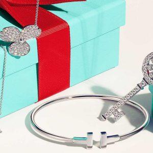 Lvmh compra Tiffany e sfida Cartier nella guerra dei gioielli