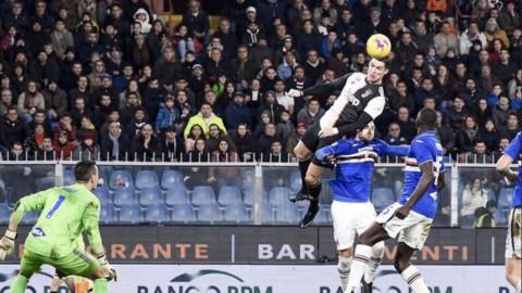 Cristiano Ronaldo manda la Juve in cielo: gol da cineteca