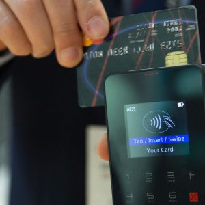 Pagamenti con carta: +6,1% annuo in Italia in 5 anni