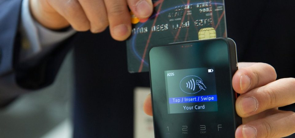 Carte di credito contactless: istruzioni per l'uso