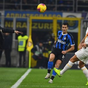 La Roma imbriglia l'Inter. Juve e Lazio sorridono (fino a stasera)