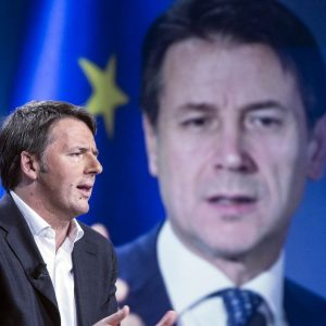 """Conte: siamo ancora in pandemia. Ma Renzi: """"Non hai pieni poteri"""""""