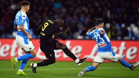 L'Inter sbanca Napoli, la Juve fa poker, al Milan non basta Ibra