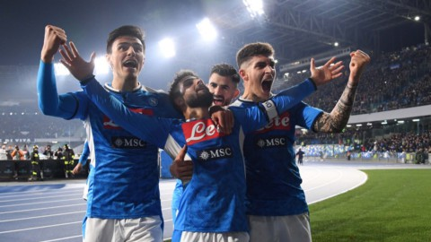 Il Napoli punisce Sarri e la Juve, l'Inter guadagna un punto
