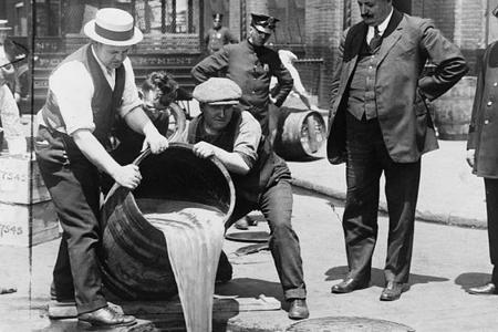 ACCADDE OGGI – Il Proibizionismo Usa nacque un secolo fa