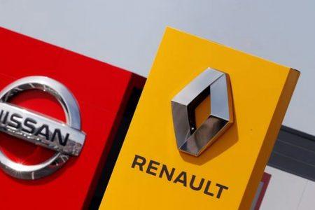 Nissan taglia 20.000 posti e cade con Renault