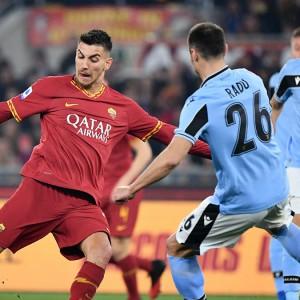 Roma-Lazio, due papere dei portieri decidono il derby: 1-1