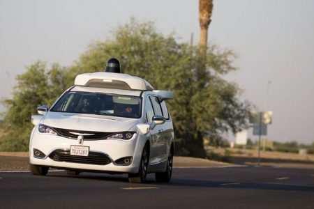 Google, in Arizona il taxi è già senza conducente