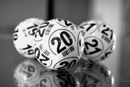 Numerologia: il 2020 è un anno gemellare ma è fasto o nefasto? Ecco cos'è successo nel millennio