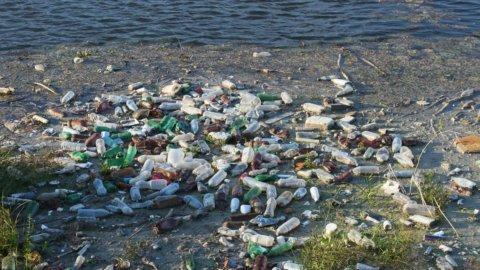 Ambiente, l'Emilia salva il Po dalla plastica