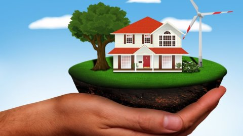 Immobili: gettonatissime le case in campagna e di lusso, a picco gli affitti