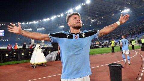 La Lazio fa il record e si iscrive alla corsa scudetto, il Milan risorge con Ibra