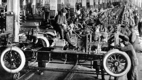 ACCADDE OGGI – Nel 1914 nasce la giornata lavorativa di 8 ore