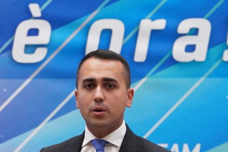 M5S, Di Maio getta la spugna: non è più il capo politico