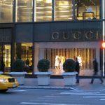 Lusso: Gucci spinge Kering, giù Moncler a Piazza Affari