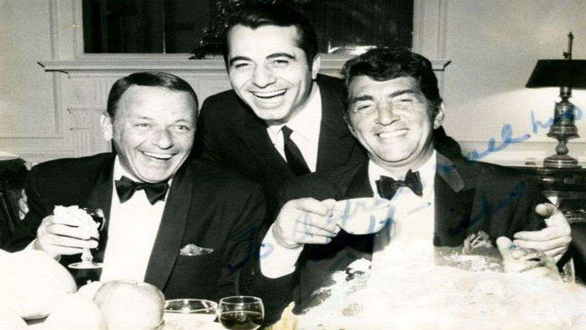 Fettuccine Alfredo alla Scrofa: Frank Sinatra e Dean Martin
