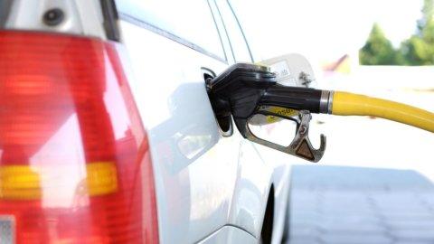 Sciopero benzinai dal 14 al 17 dicembre, Italia a rischio paralisi
