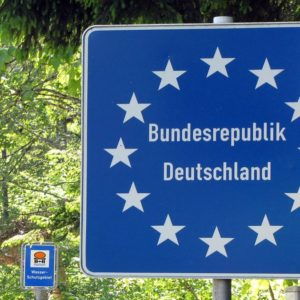 Coronavirus, in Germania frontiere chiuse: addio Schengen