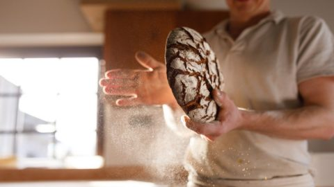 Chiusi in casa: in giro per l'Italia con ricette del pane fatto in casa
