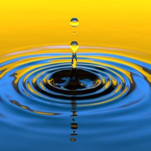 Borsa, bene Milano. Spread sotto quota 140