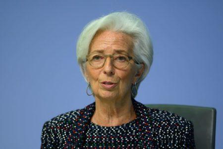 Bce pronta a rafforzare il bazooka: Borse in attesa