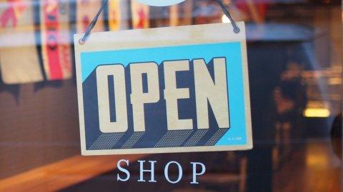 4 maggio, negozi e imprese: cosa riapre? L'elenco completo