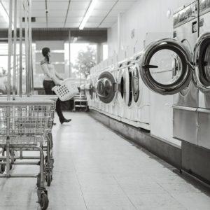 ACCADDE OGGI – La prima lavanderia a gettoni apriva 86 anni fa