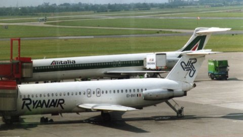 Enav, voli aerei in ripresa a giugno: +45%