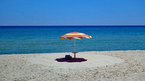 Spiagge libere e stabilimenti: le regole per andare al mare