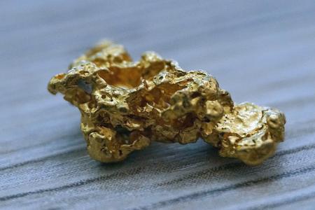 Oro: vaccino contro tassi bassi e la paura dell'inflazione
