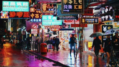 Hong Kong fa paura, ma i mercati guardano l'Europa