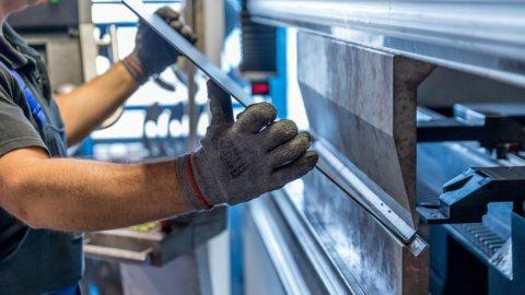 Industria ai livelli pre-Covid all'inizio del 2022 per Intesa-Prometeia